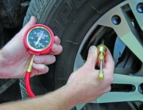 The E-Z tyre deflator in action.