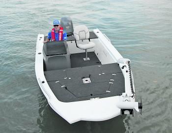 This rig is glammed up with hookless carpet – a must for a serious fishing rig these days.