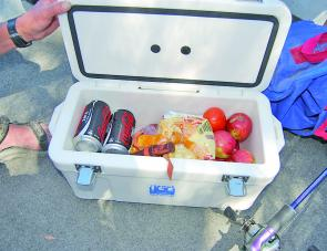 The small 10L cooler was a real winner, allowing us to keep drinks and lunch cold.