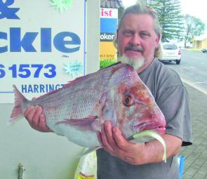 Bruce Shoesmith with a 7.3kg Crowdy Snapper taken on a Squidgy Flick Bait.