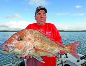 Dave displaying a magnificent snapper from Corinella.