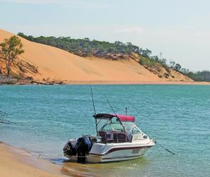 The famous Yellow Hill of Yellow Patch. Parking the boat right at your camping spot is easy.