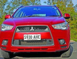 The Lancer heritage grille of the ASX gives the vehicle a sporty, if bold, frontal treatment.