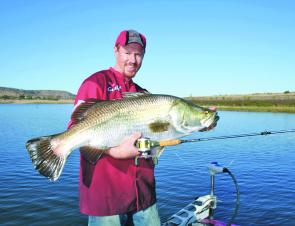 Callide Dam barra can be caught casting hard bodied and soft plastic lures. The shallow, open banks are worth exploring.